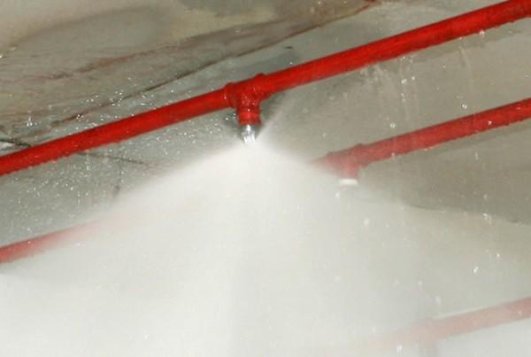 7 vantagens de instalar um sistema de chuveiros automaticos
