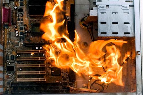 computador-pegando-fogo