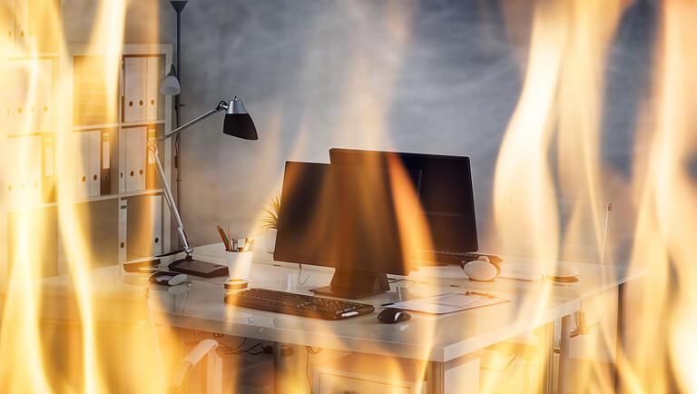 Incêndio no escritório de uma empresa