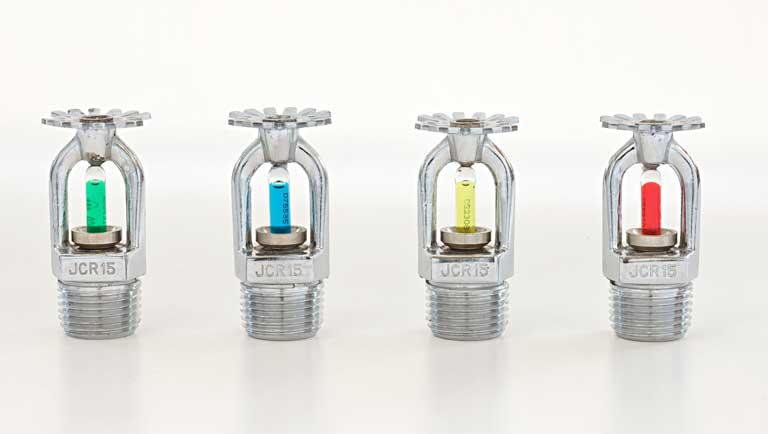 Entenda as cores dos bulbos dos sprinklers e sua relação com a temperatura
