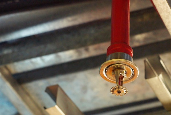 Riscos que você corre ao ficar em estabelecimento sem sprinklers